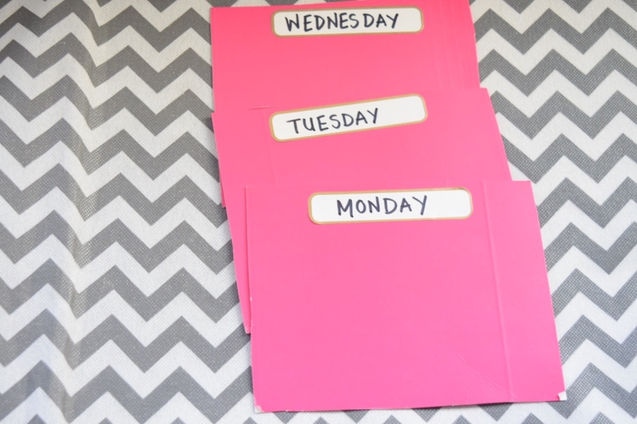 weekly clothes organizer nametags