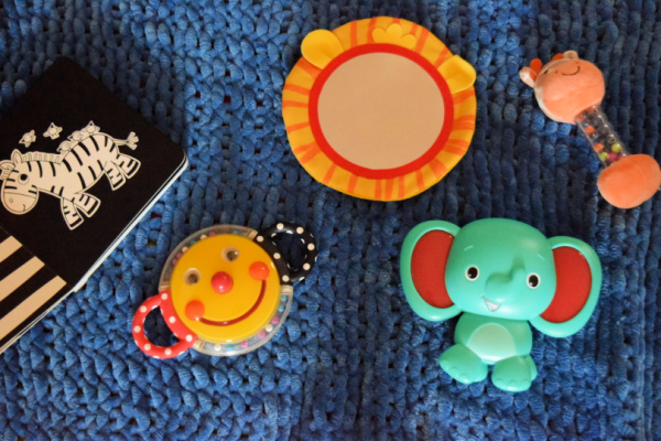 Examples of toys you can use to play with your baby during tummy time