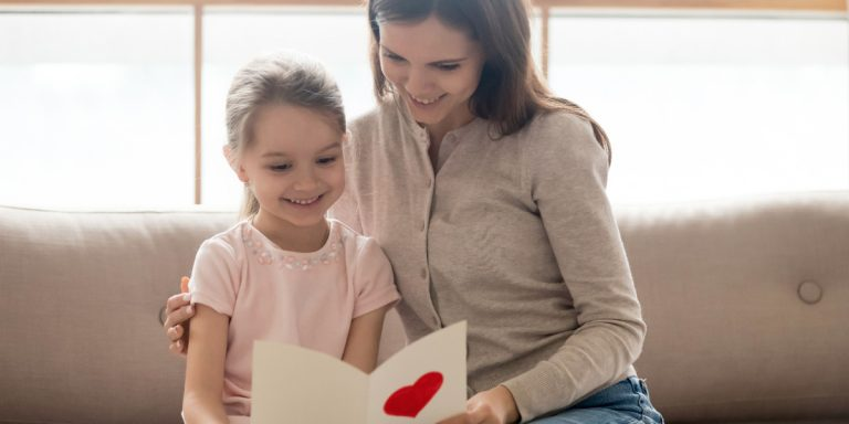 How To Teach Toddlers & Preschoolers To Be Thankful