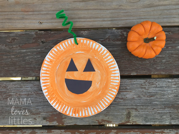 paper plate pumpkin craft finished project